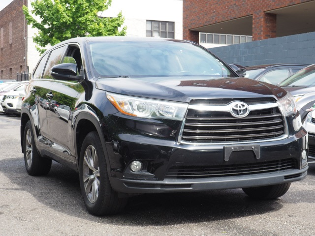 Certified Pre Owned 2016 Toyota Highlander Le Plus V6 Awd